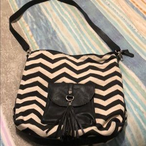 Black and cream chevron purse madden girl